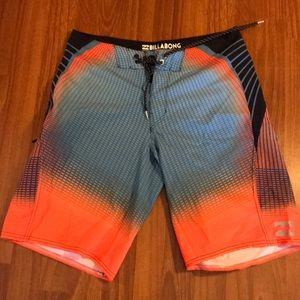Billabong Platinum X Board Shorts sz32